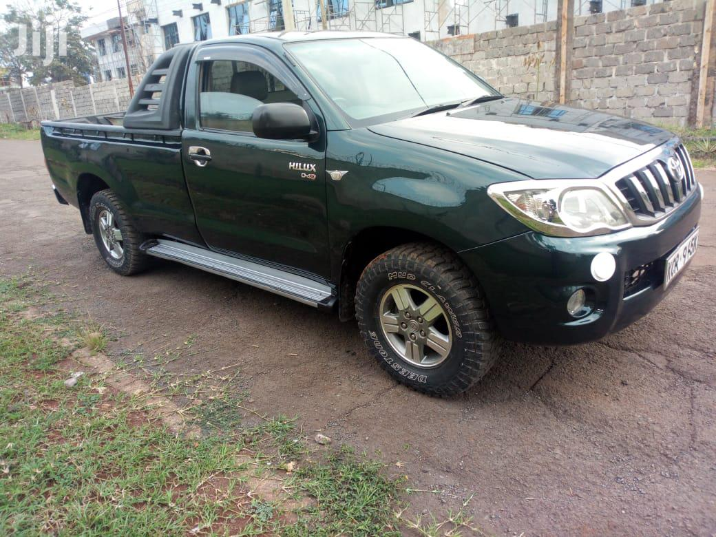 Archive: New Toyota Hilux 2011 Green