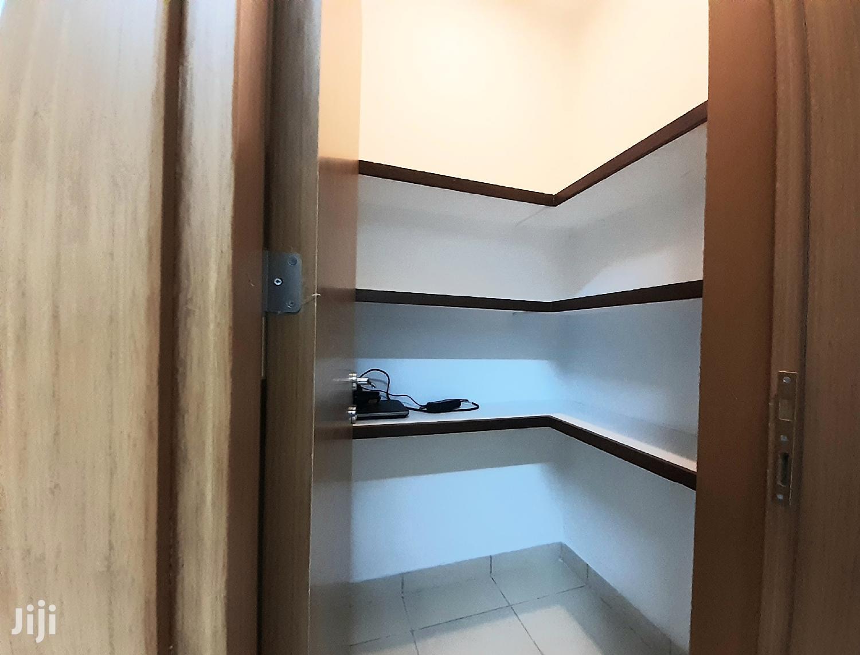Massive Super Deluxe 2 Bedroom +DSQ All Ensuite.   Houses & Apartments For Sale for sale in Kilimani, Nairobi, Kenya