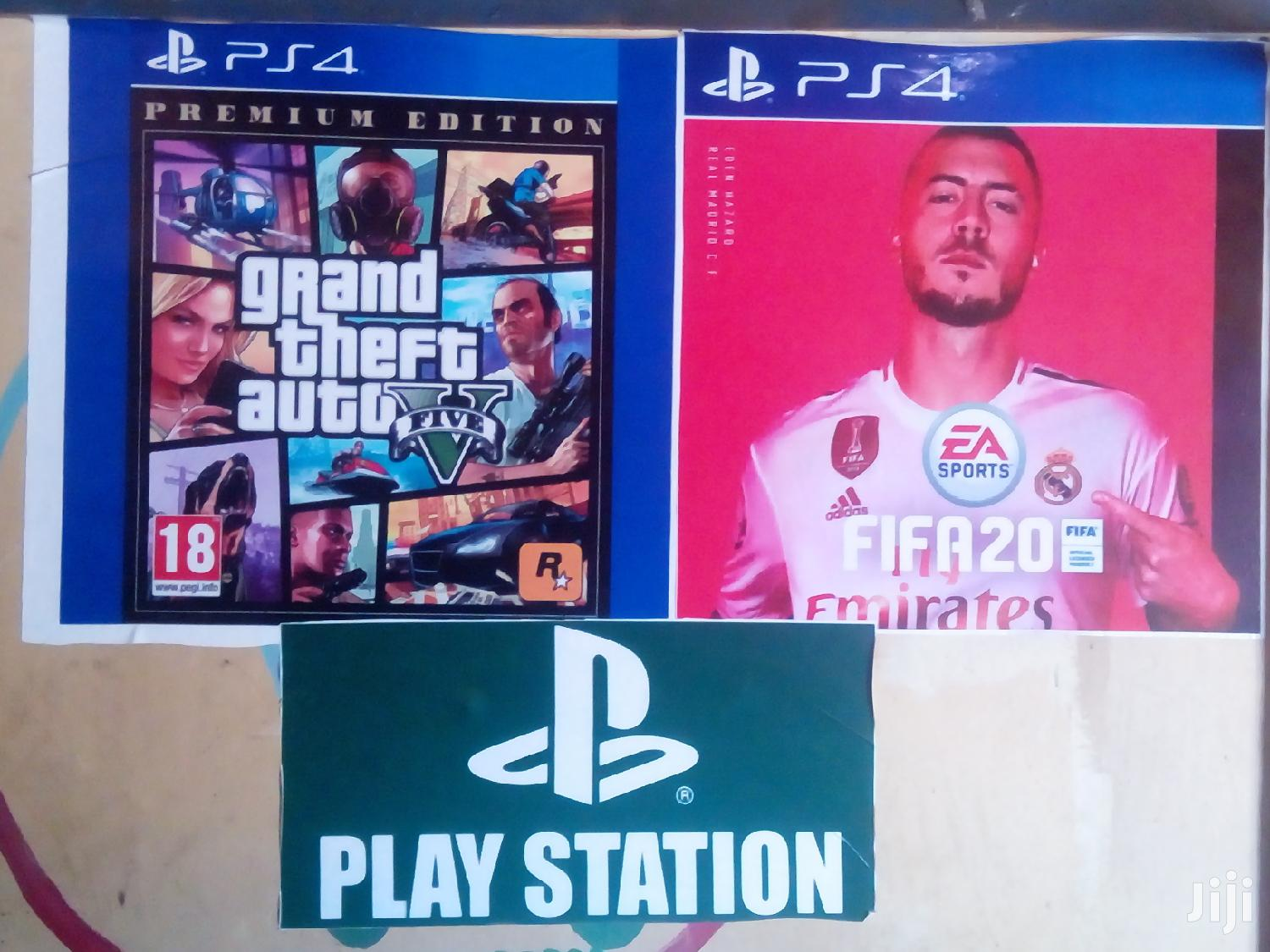 Play Station 4 With 10 Games