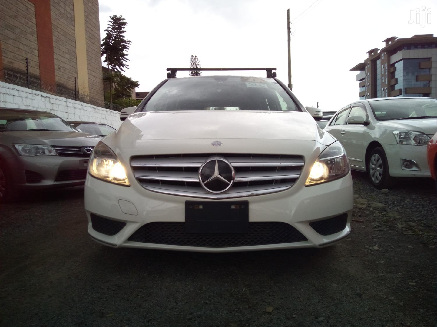 Archive: Mercedes-Benz B-Class 2012 White
