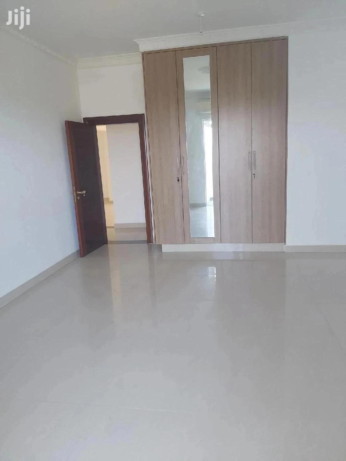 Archive: Spacious Modern 3 Bedroom Apartment With Excellent Finishing