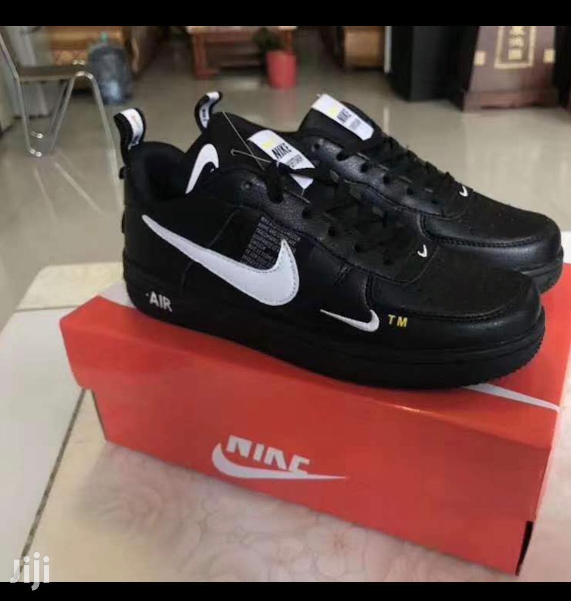 Nike Air Force Sneakers - Black