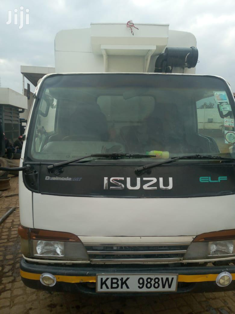 Isuzu ELF Truck 2002 White