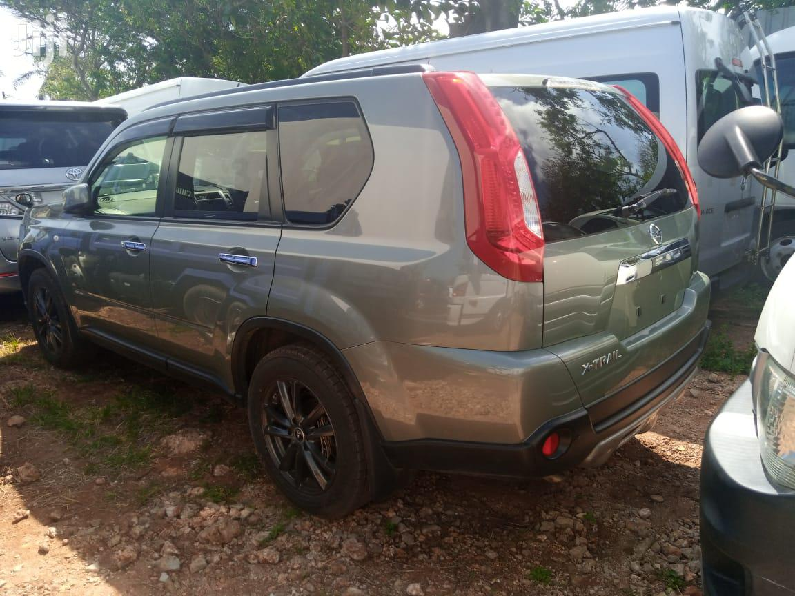 Archive: Nissan X-Trail 2013 Green