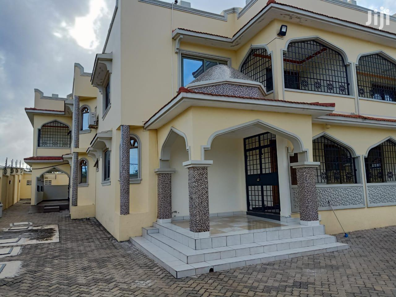 For Sale 4 Bedrooms Mansion Shanzu