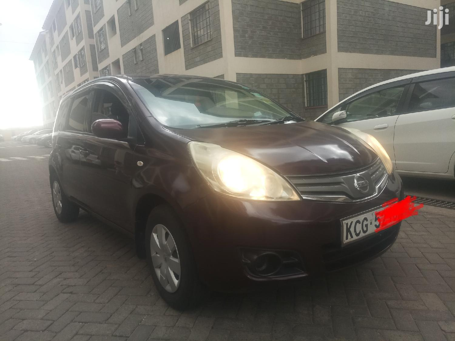 Nissan Note 2009 1.4 Red