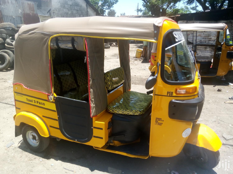 Archive: Bajaj RE 2019 Yellow