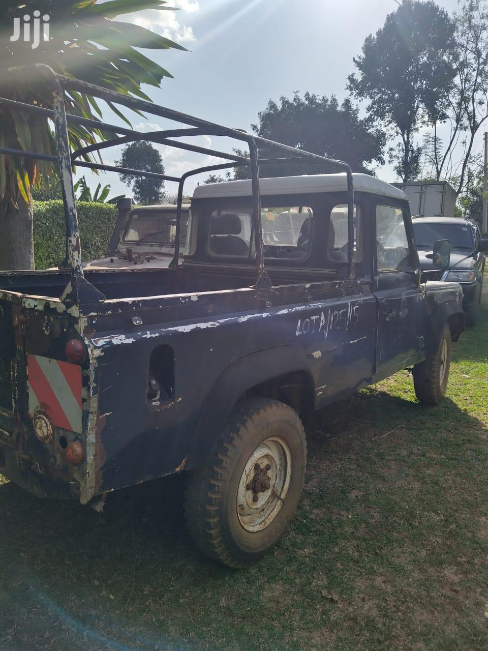 Land Rover Defender 2000 Blue