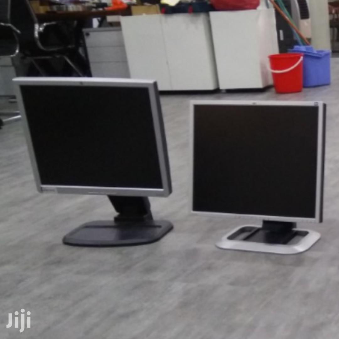 17 Inches Monitors
