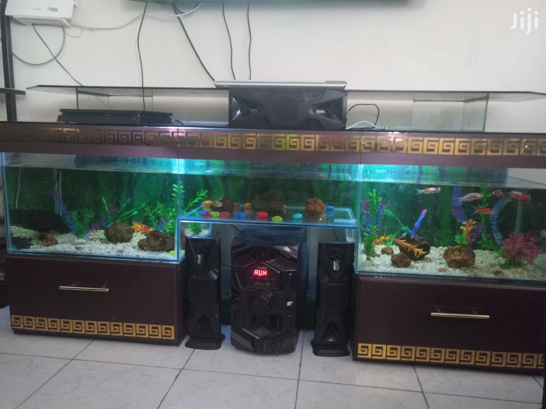 Archive: TV Stand Aquarium