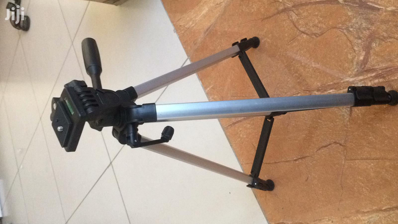 Aluminium Alloy Extendable Tripod Stand 330A | Accessories for Mobile Phones & Tablets for sale in Mvita, Mombasa, Kenya