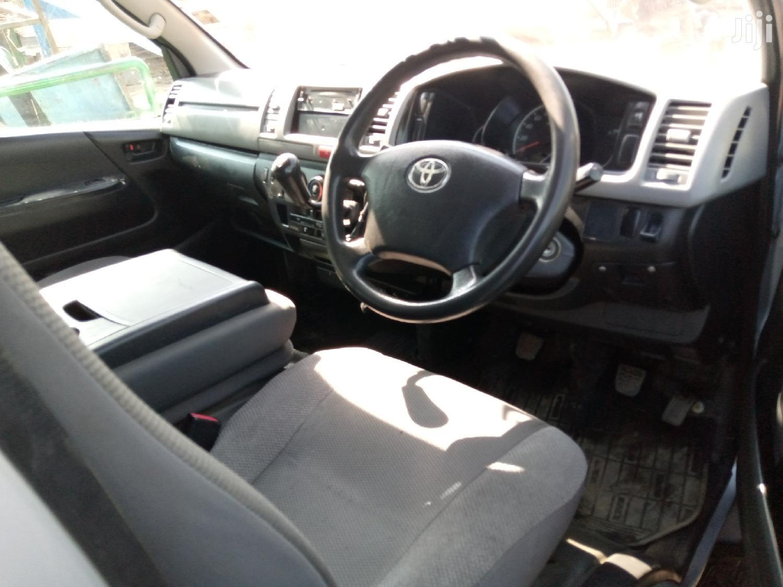 Archive: Manual Diesel 7L on Sale Toyota Hiace 2011