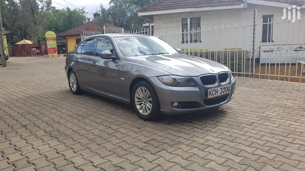 BMW 320i 2009 Gray