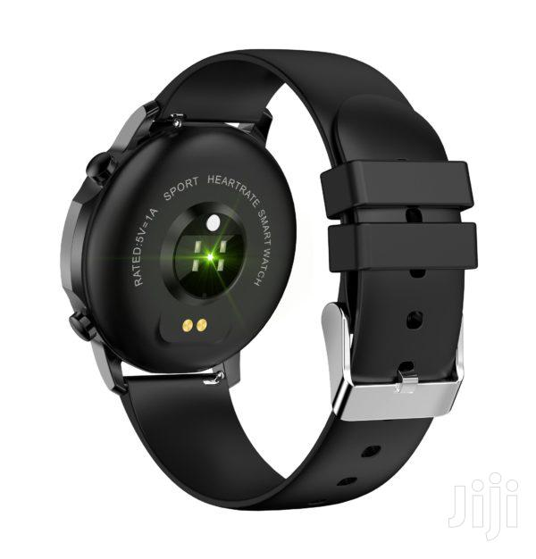 Smart Watch With Accurate Heart Rate Monitor | Smart Watches & Trackers for sale in Nairobi Central, Nairobi, Kenya