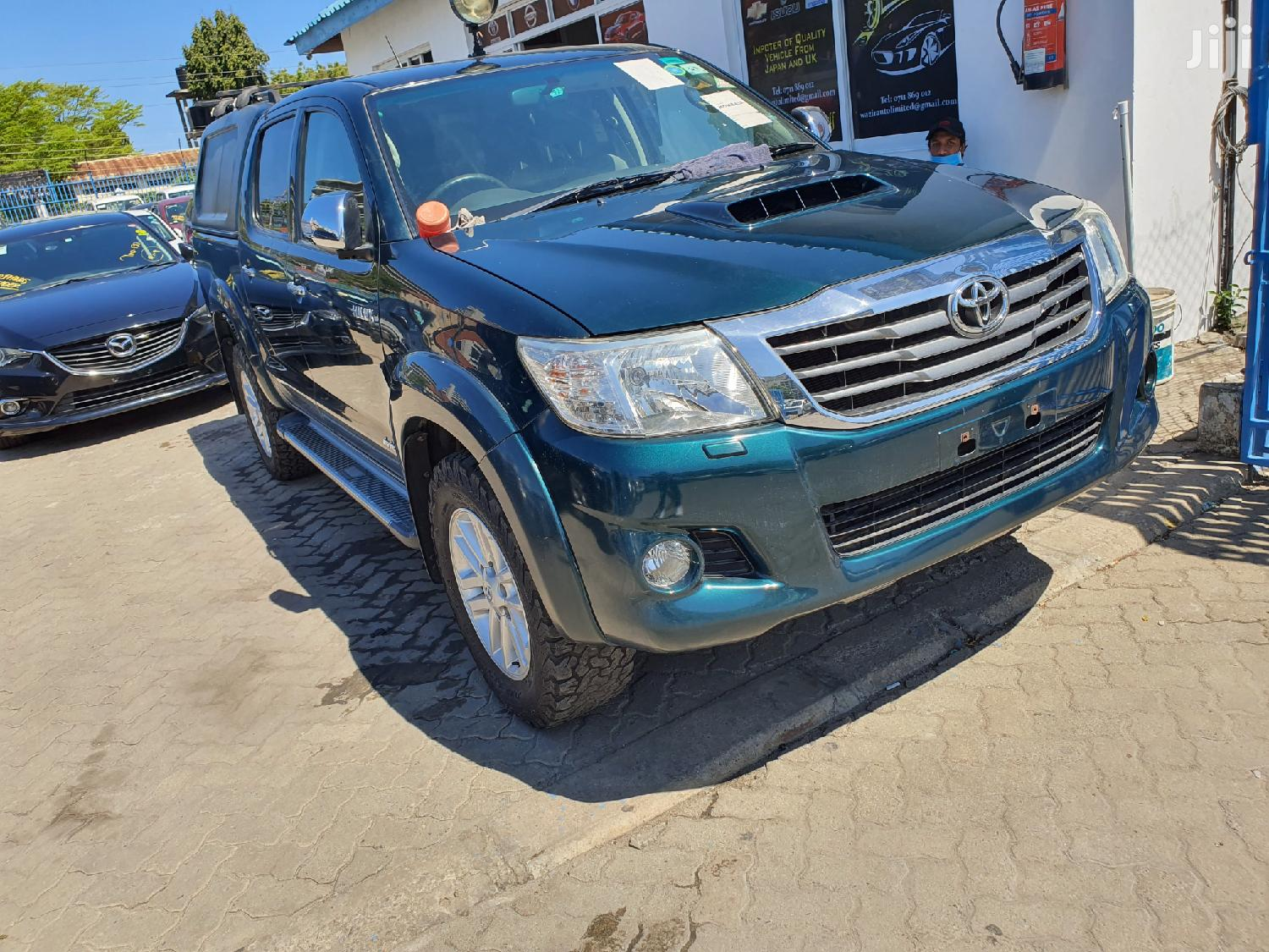 Toyota Hilux 2013 WORKMATE 4x4 Green