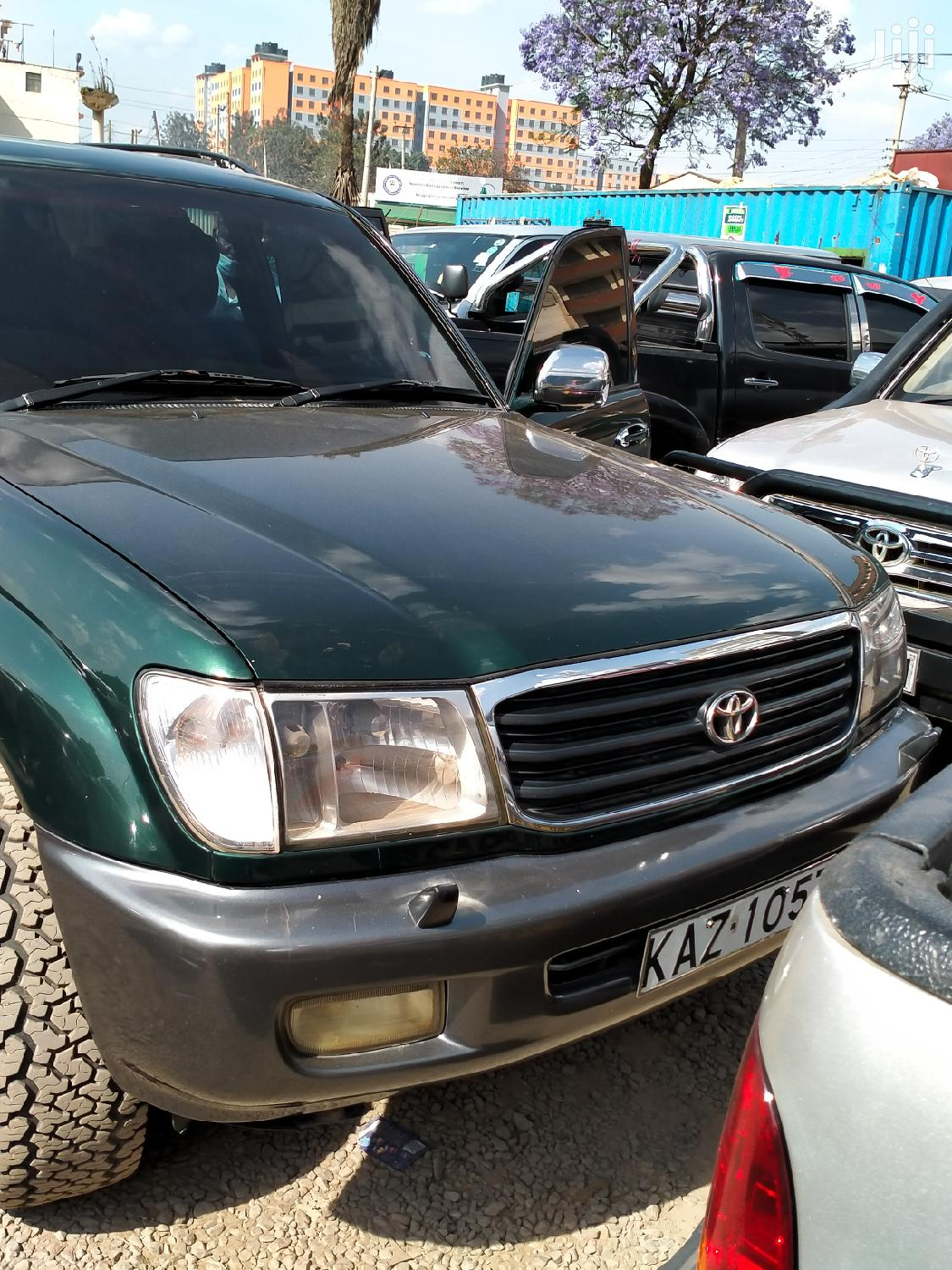 Archive: Toyota Hilux 2000 2000 Green