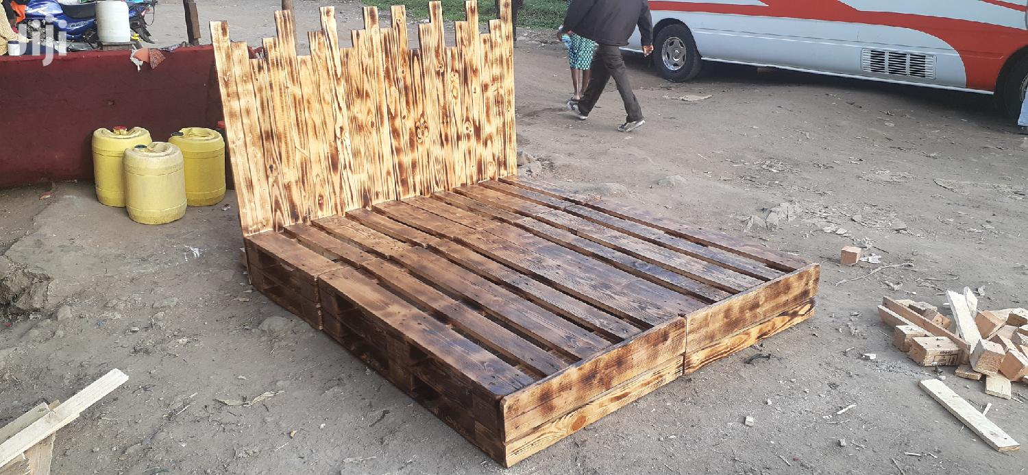 5by6 Rustic Pallet Bed/Pallet Beds/5by6 Bed/Pallet Furniture