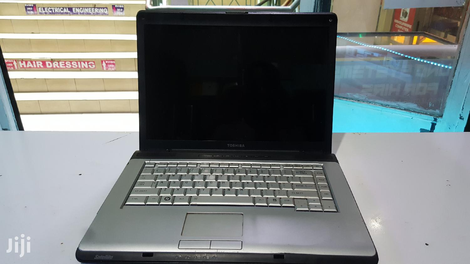 Laptop Toshiba Satellite S850 2GB Intel Core 2 Duo HDD 160GB