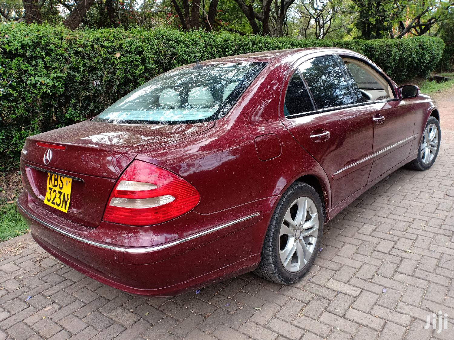 Archive: Mercedes-Benz E350 2006 Red