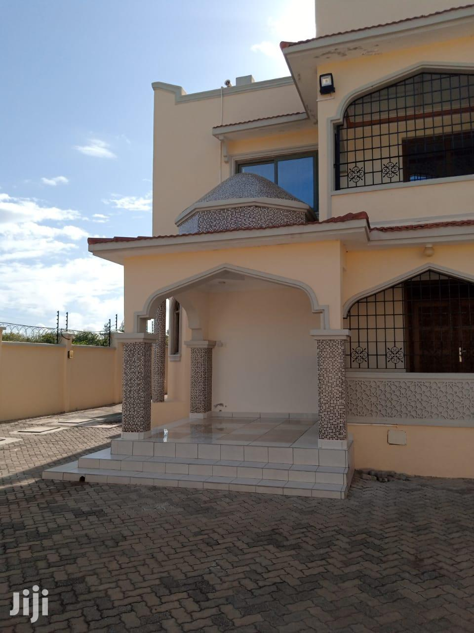 Mansion for Sale in Shanzu Serena | Houses & Apartments For Sale for sale in Kisauni, Mombasa, Kenya
