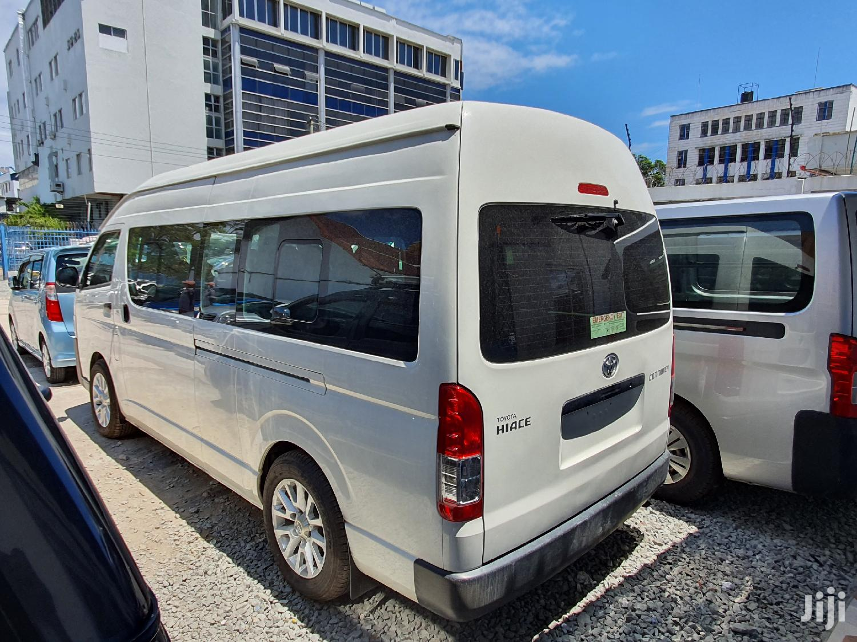 Archive: Toyota Hiace 9l Automatic Diesel