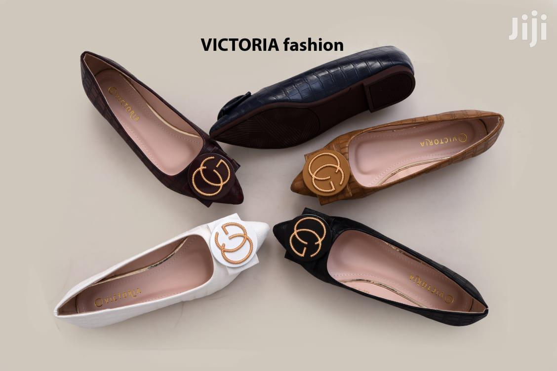 Archive: Ladies Flat Shoe