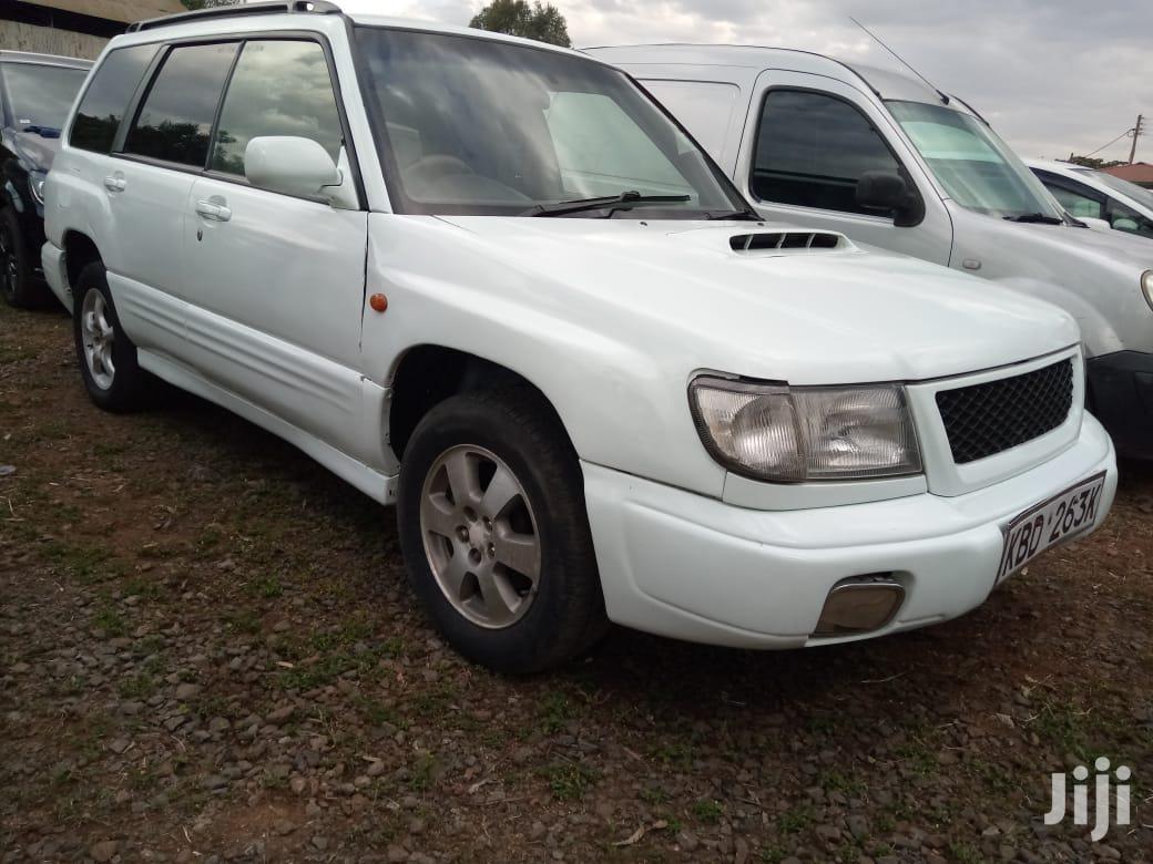Subaru Forester Automatic 2002 White