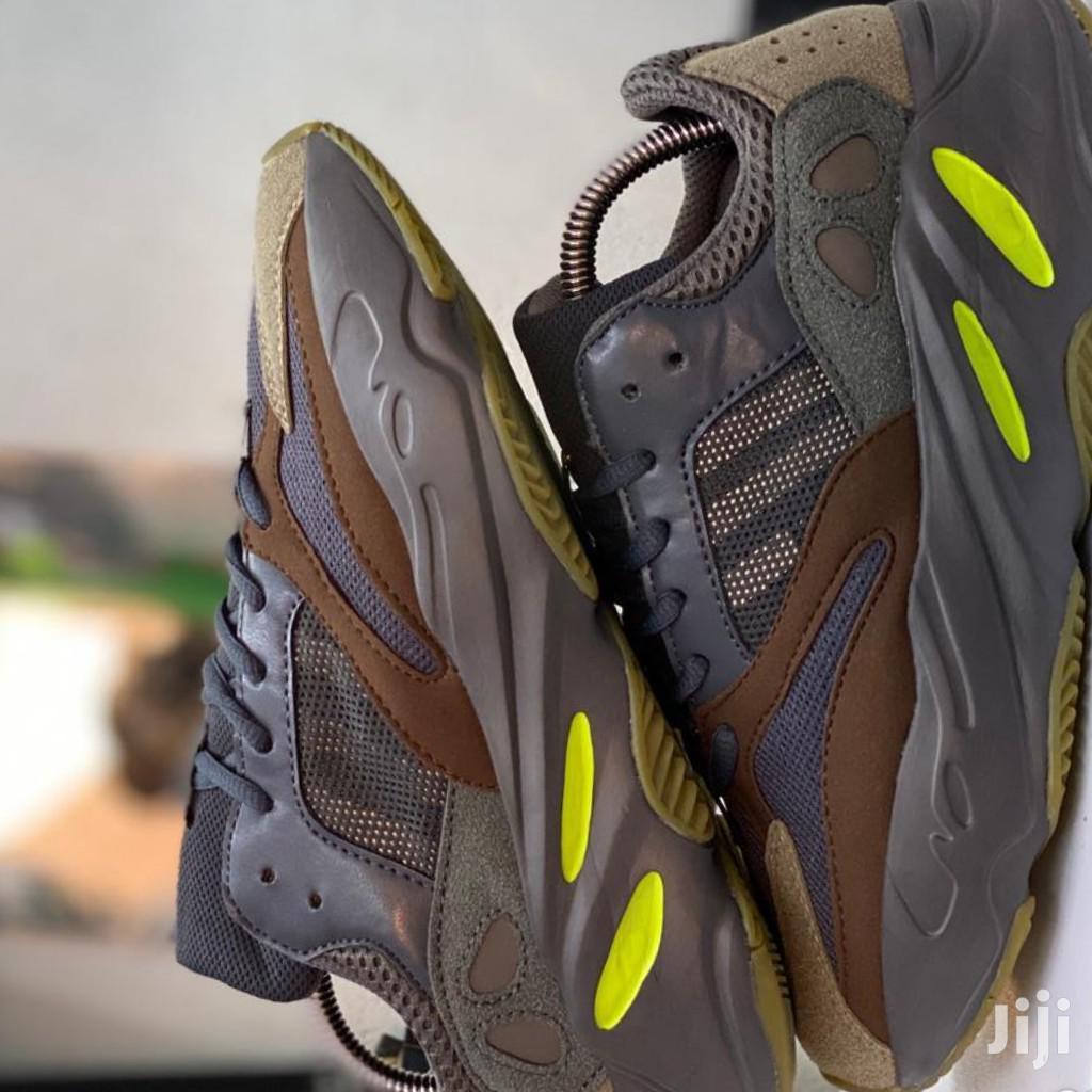 Adidas Yzeey 700 Sneakers