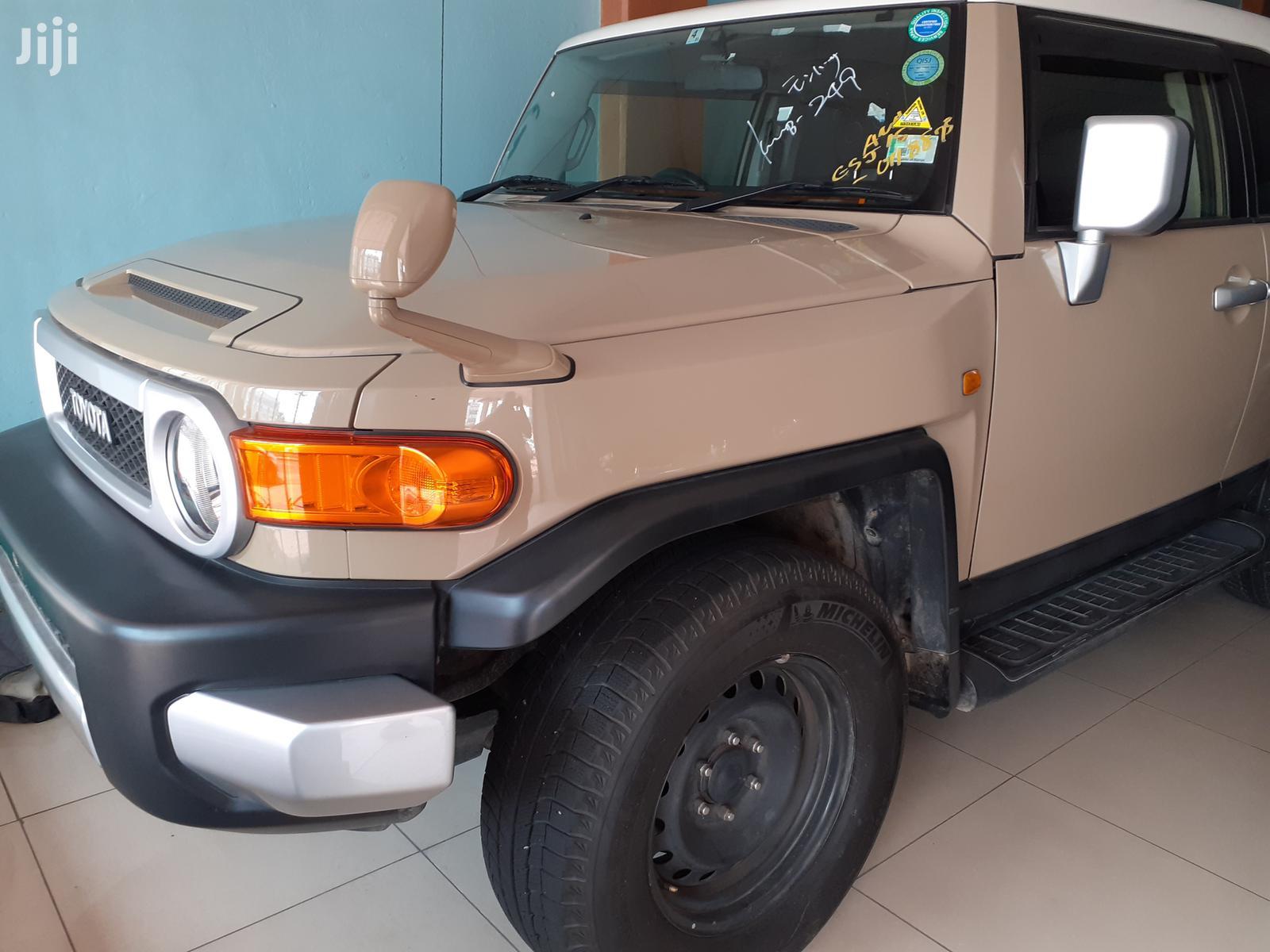 Toyota FJ Cruiser 2013 Beige | Cars for sale in Mvita, Mombasa, Kenya