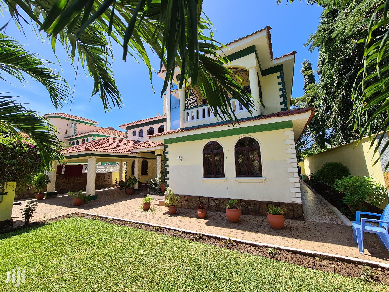 Exclusive 4 Bedroom Maisonette In Nyali, Mombasa For Sale .