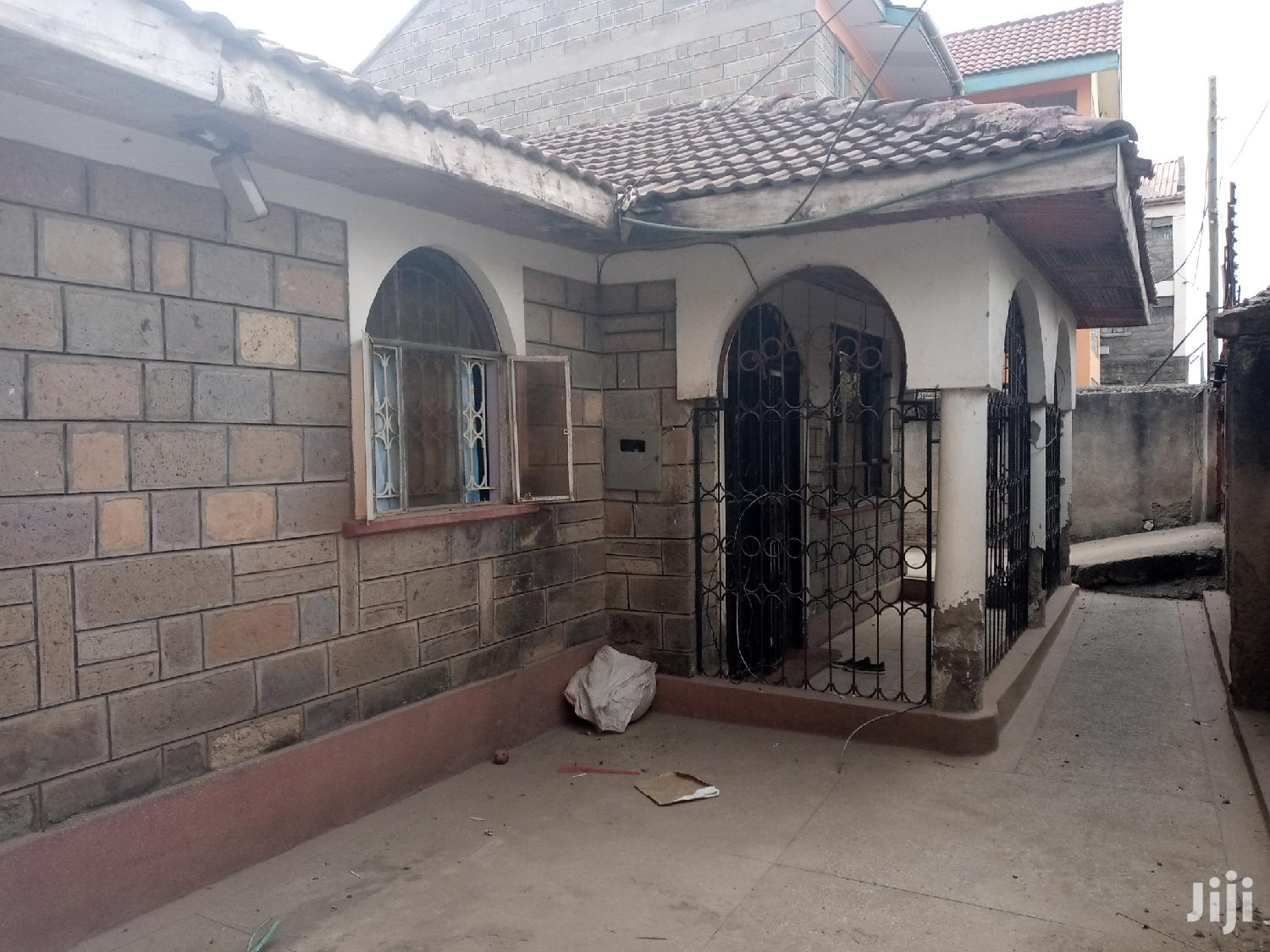 Plot And House For Sale