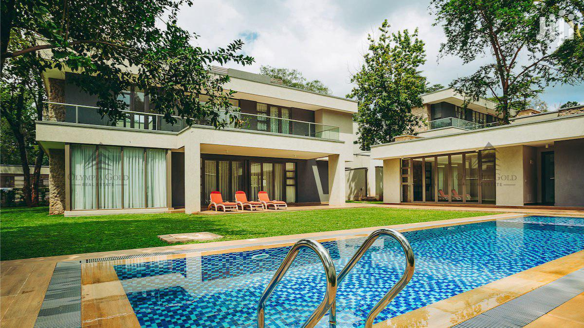 5 Bedroom Luxury Townhouse In A Gated Community