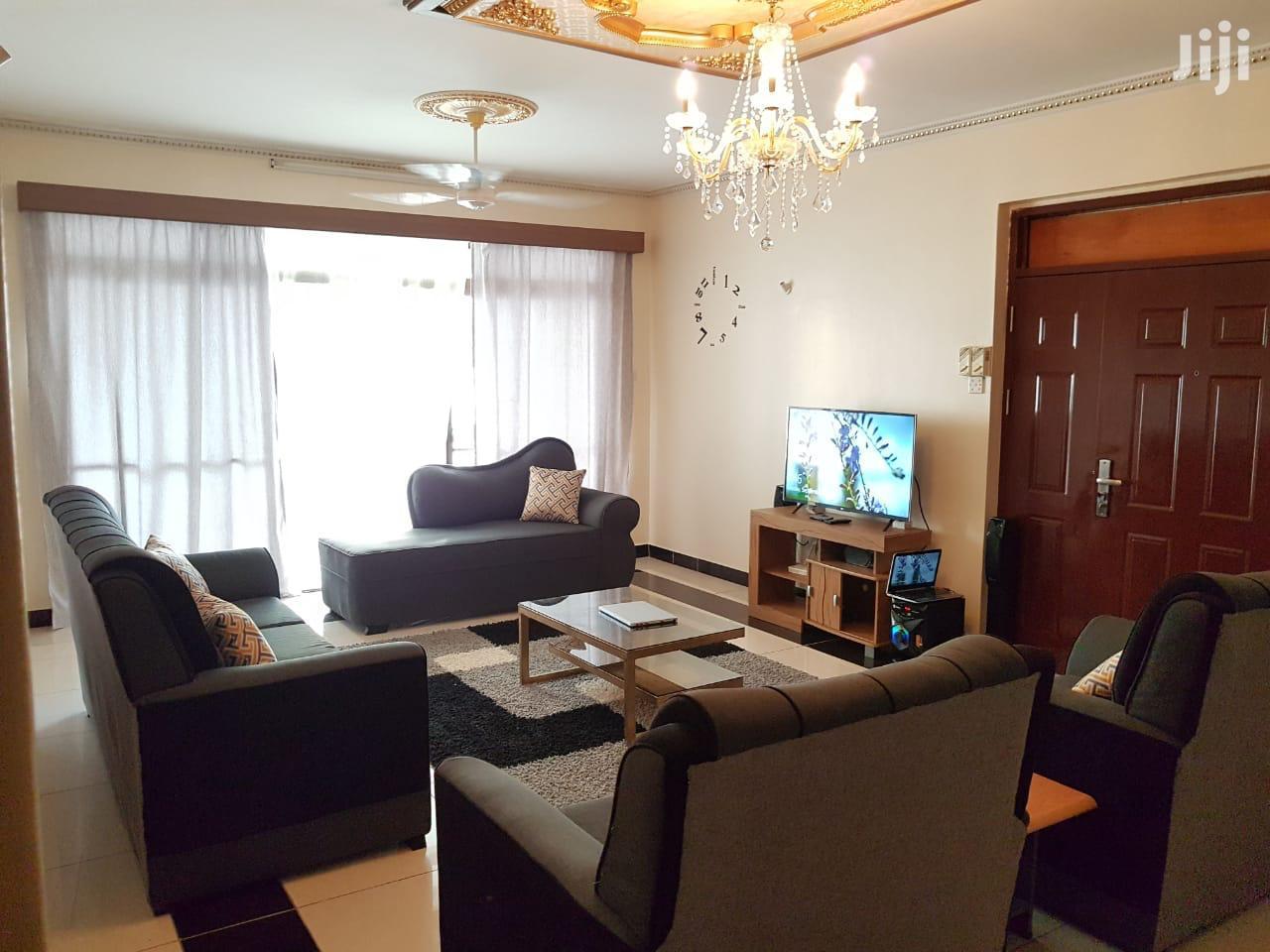 4 Bedrooms Apartments