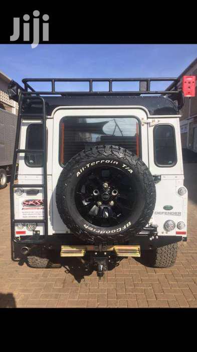 Archive: Land Rover Defender 2014