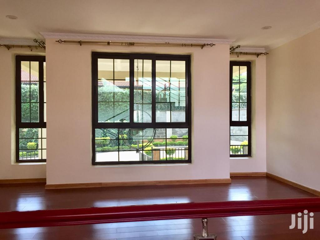 Archive: Cozy Kitisuru 4 Bedroom Townhouse With DSQ