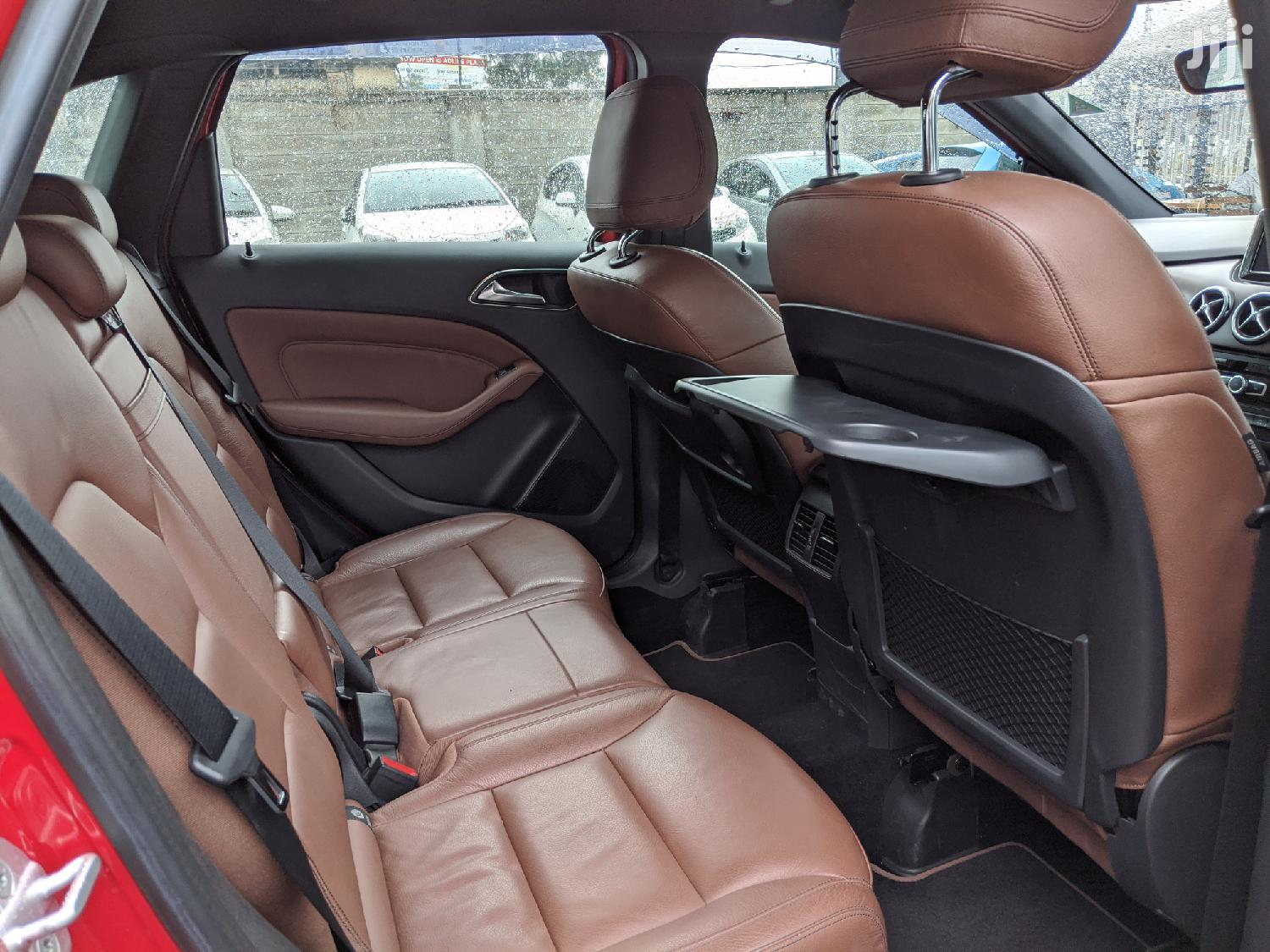 Archive: Mercedes-Benz B-Class 2013 Red