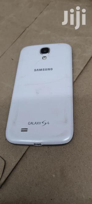 Samsung Galaxy I9505 S4 16 GB White   Mobile Phones for sale in Nairobi, Nairobi Central