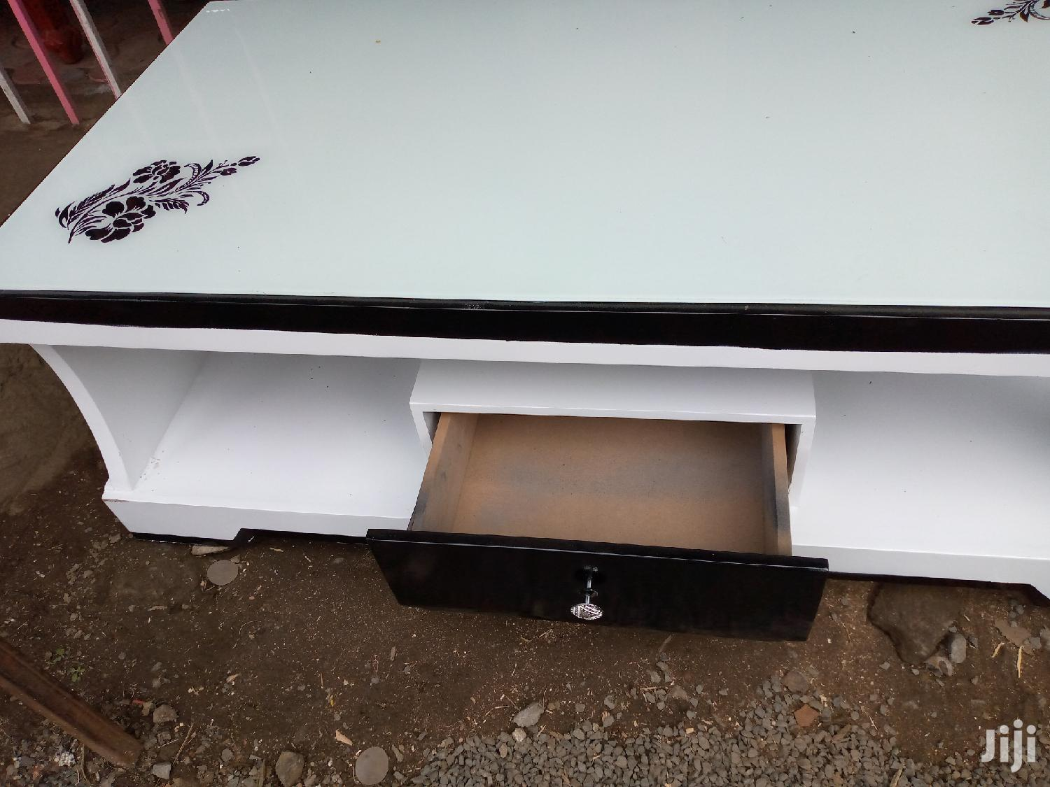 White Floral Design Coffee Table And One Stool With Glass | Furniture for sale in Umoja II, Nairobi, Kenya