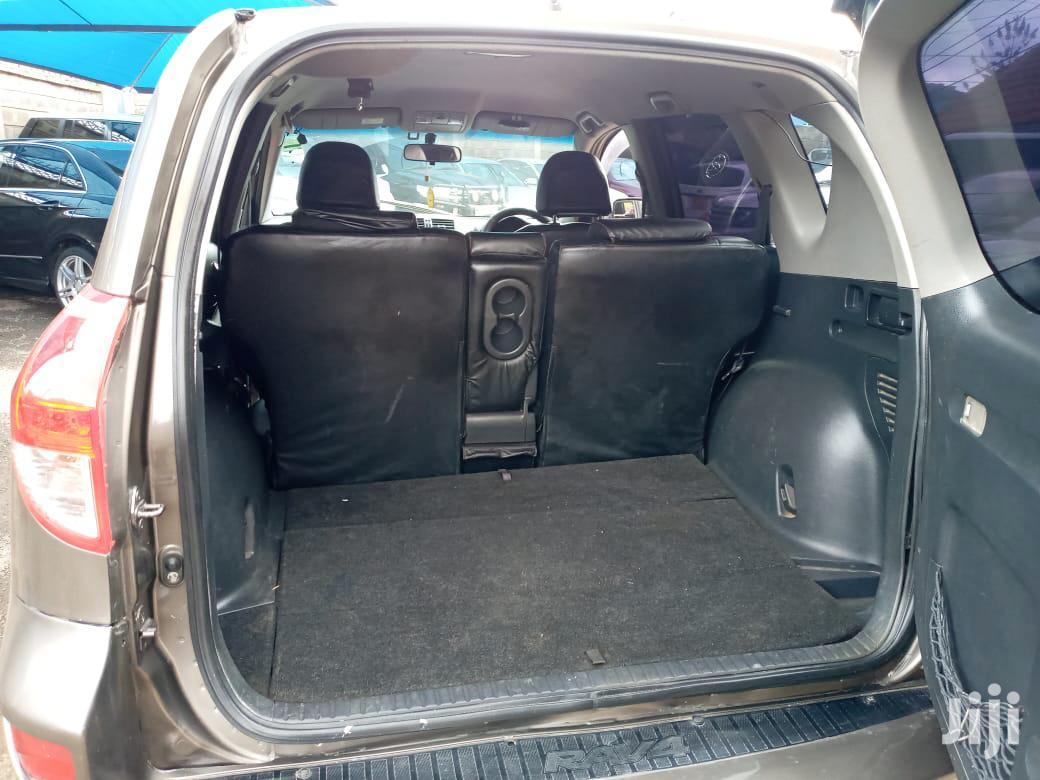 Archive: Toyota RAV4 2007 4x4 Brown