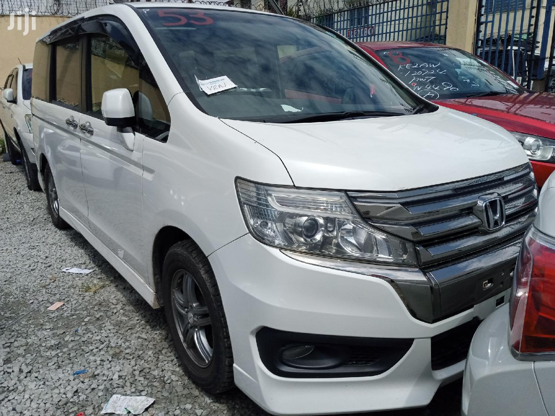 Honda Stepwagon 2014 White