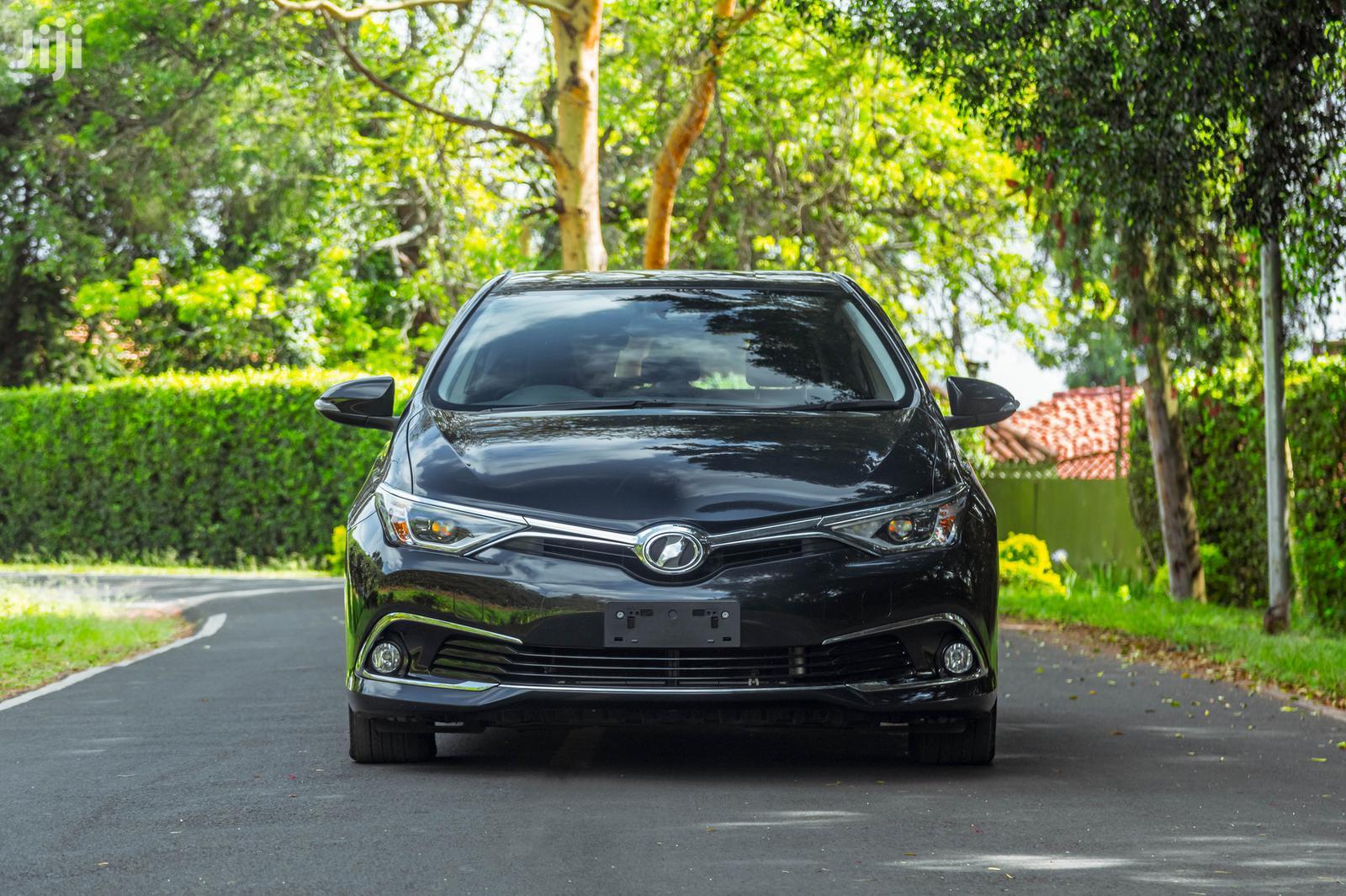 Toyota Auris 2015 Black