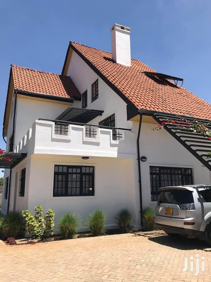 Elegant Modern 6 Bedroom All Ensuite Villa In Garden Estate