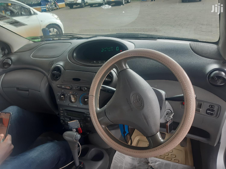 Archive: Toyota Vitz 2003 Gray