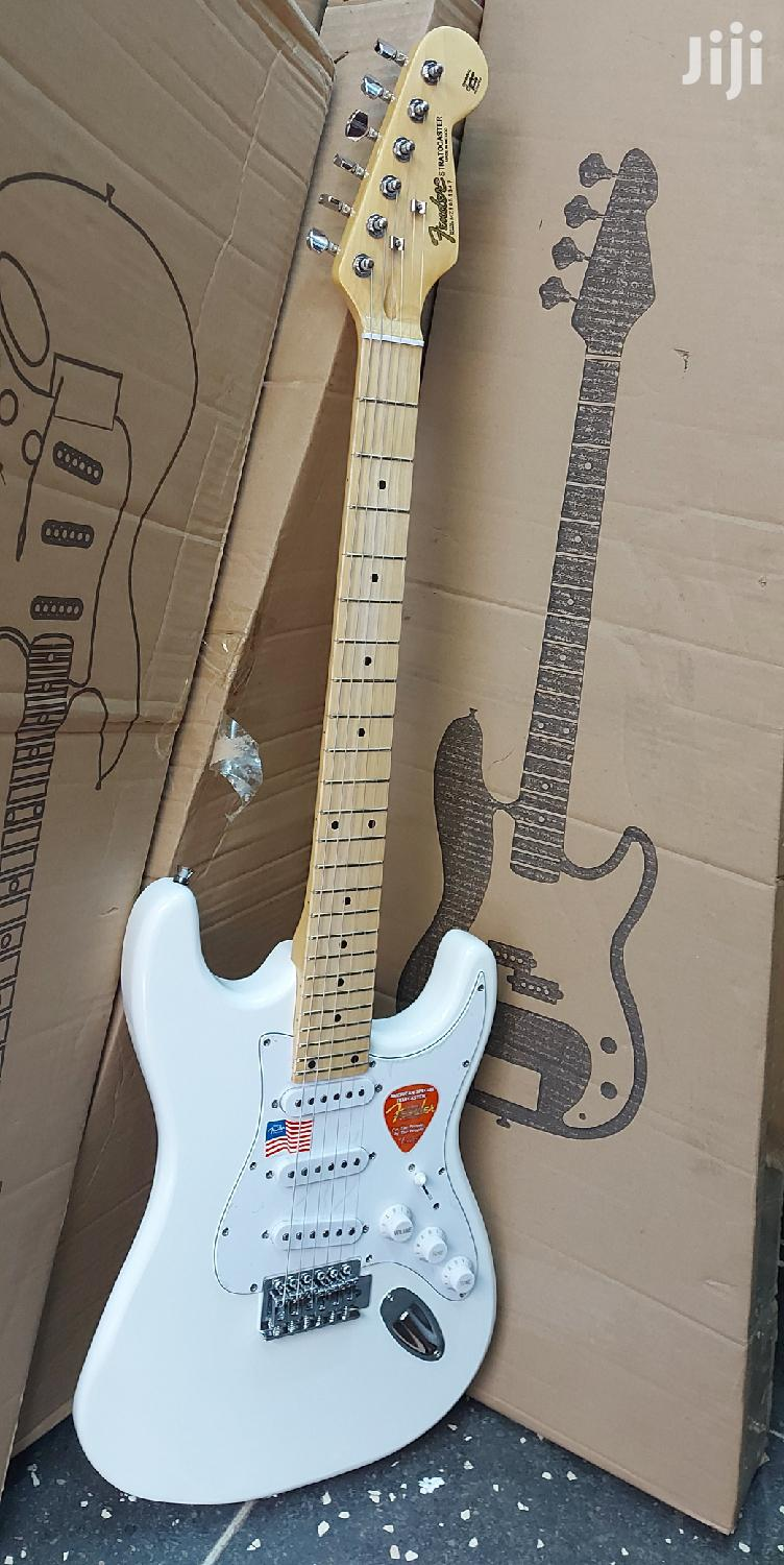 Fender Stratocaster Electric Solo Guitar