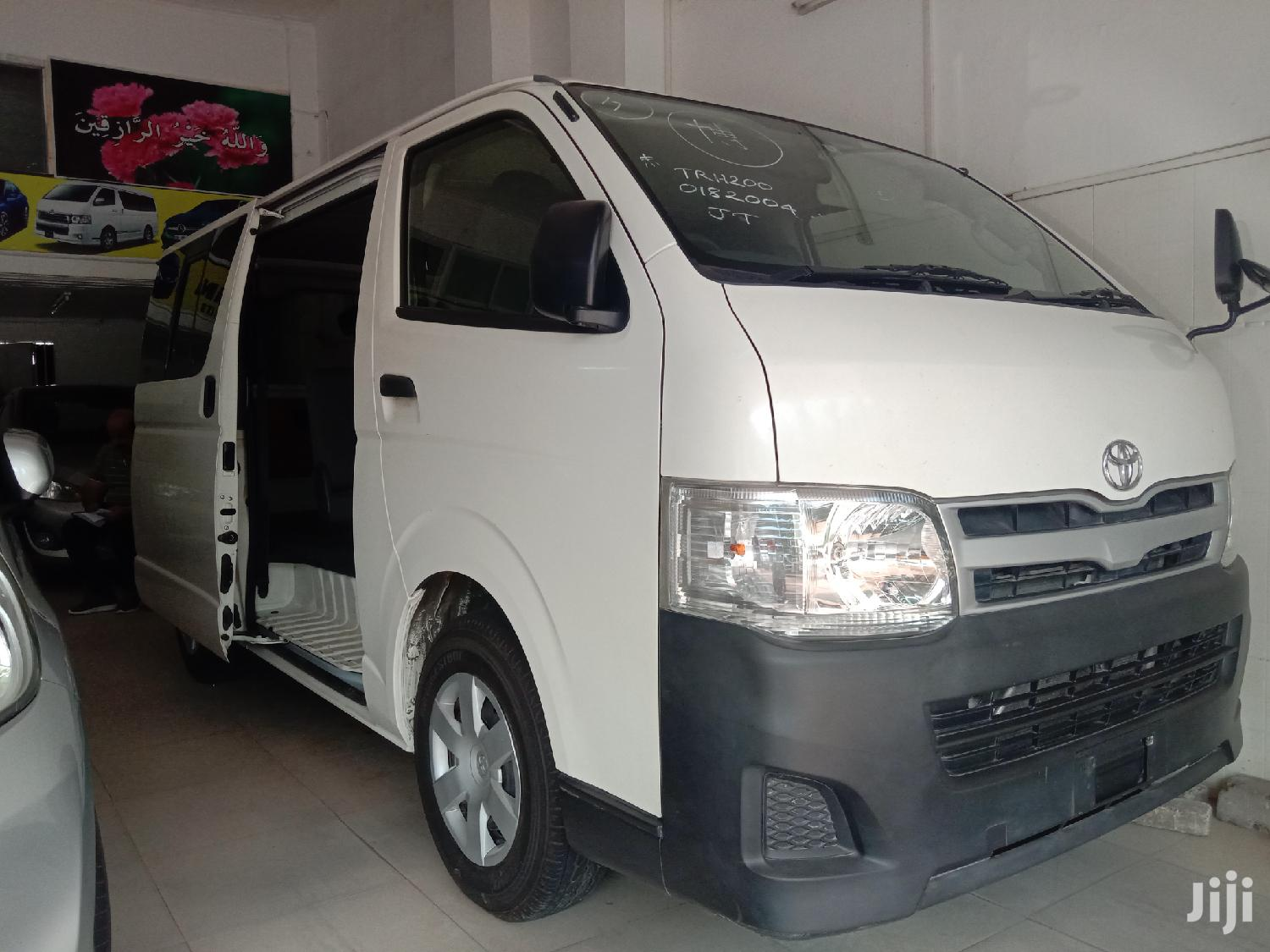 Toyota Hiace 2013 White for Sale