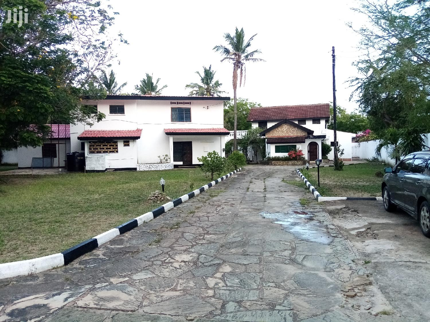 Own Compound 4 Bedroom And 3 Bedroom Masionatte In One Comp