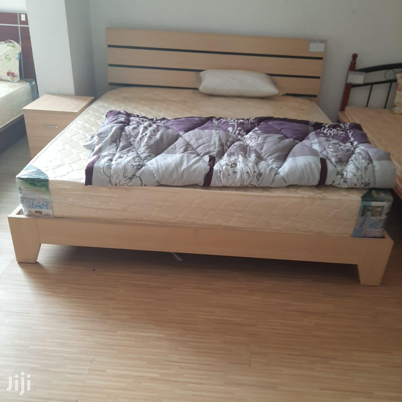 Archive: 5×6 Modern Bed