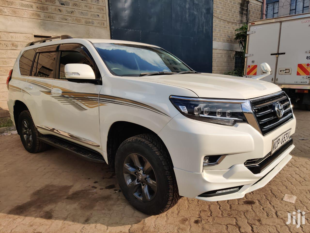 Toyota Land Cruiser Prado 2010 GX White