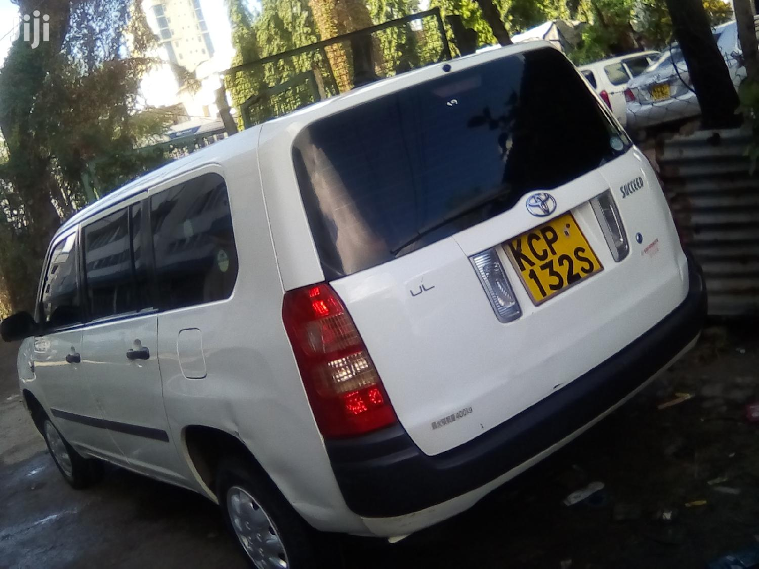 Archive: Toyota Succeed 2010 White