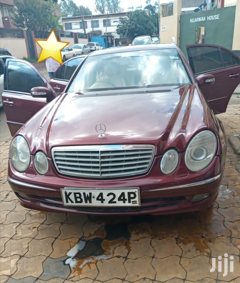 Mercedes-Benz E200 2006 Red